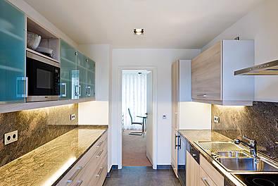 Küchenelement als Komplettlösung, Arbeitsplatte Granit