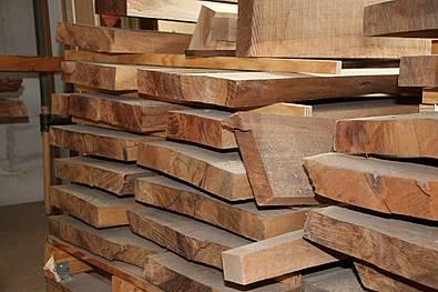 der Ursprung eines Massivholzmöbels