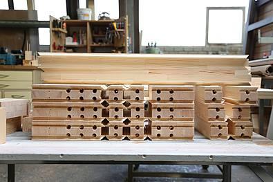 Massivholztür in Einzelteilen